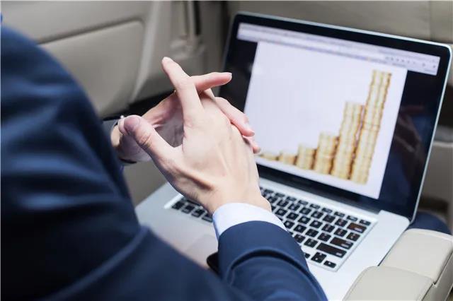 外贸经理分享:使用腾道平台1个月拿下325万订单